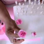 como-hacer-rosas-en-pasta-de-goma