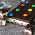 turron-de-chocolate-blanco-y-negro-con-mm