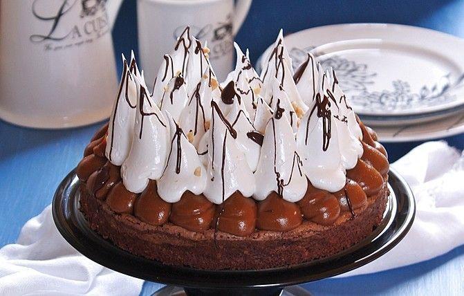 tarta-brownie-con-dulce-de-leche-merengue-y-cacahuetes