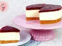 Tarta de queso con mermelada de fresa